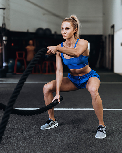 kelsey using battle ropes | meet kelsey heenan