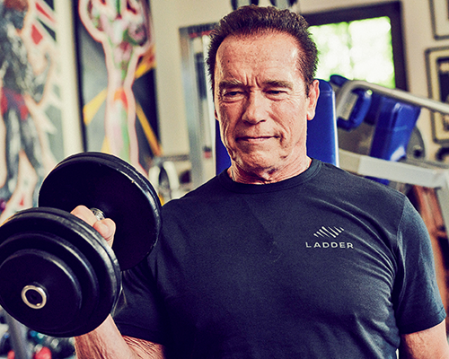 arnold doing hammer curls | arnold schwarzenegger workout