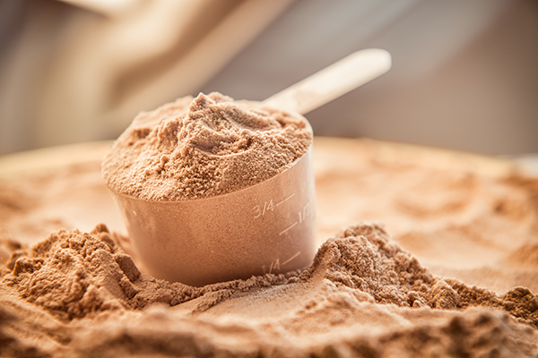scoop of whey protein | whey protein isolate vs concentrate