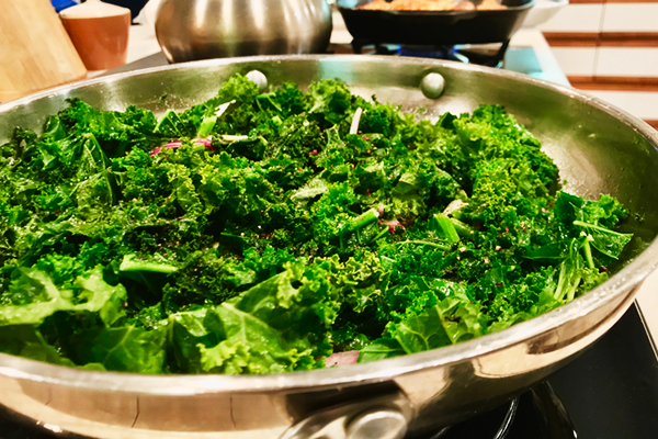 kale in cooking pan | how to cook kale