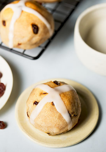 hot cross buns recipe image | easter recipes