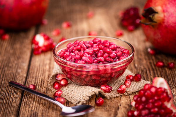 bowl of pomegranate seeds | how to get enough fiber on a low carb diet