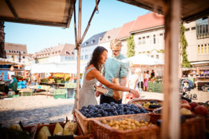 shop local markets --How To Stick To Your Nutritional Goals When Traveling